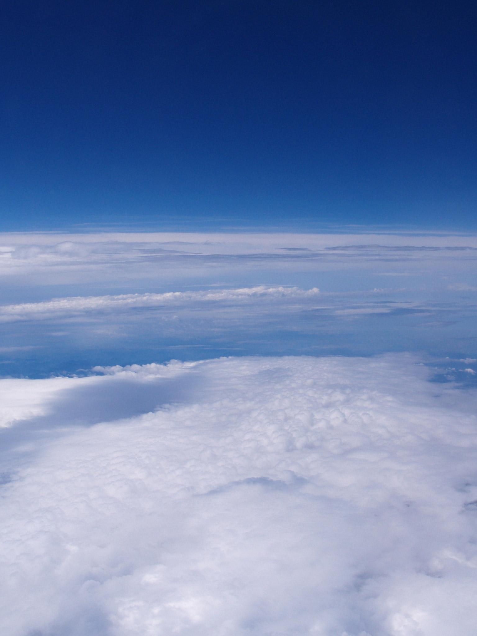 空の写真 高解像度 高画質の無料壁紙 高度一万メートル 上空の景色