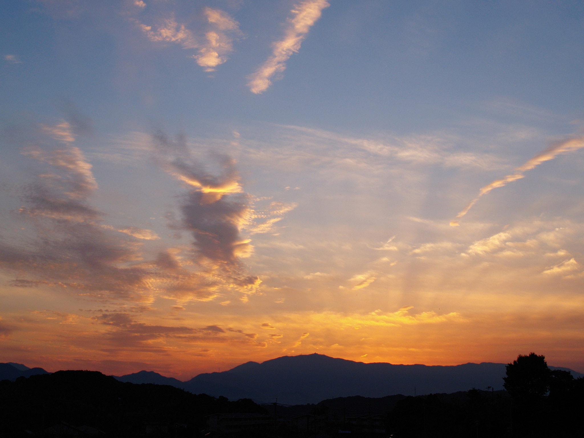 青空と夕焼け空壁紙