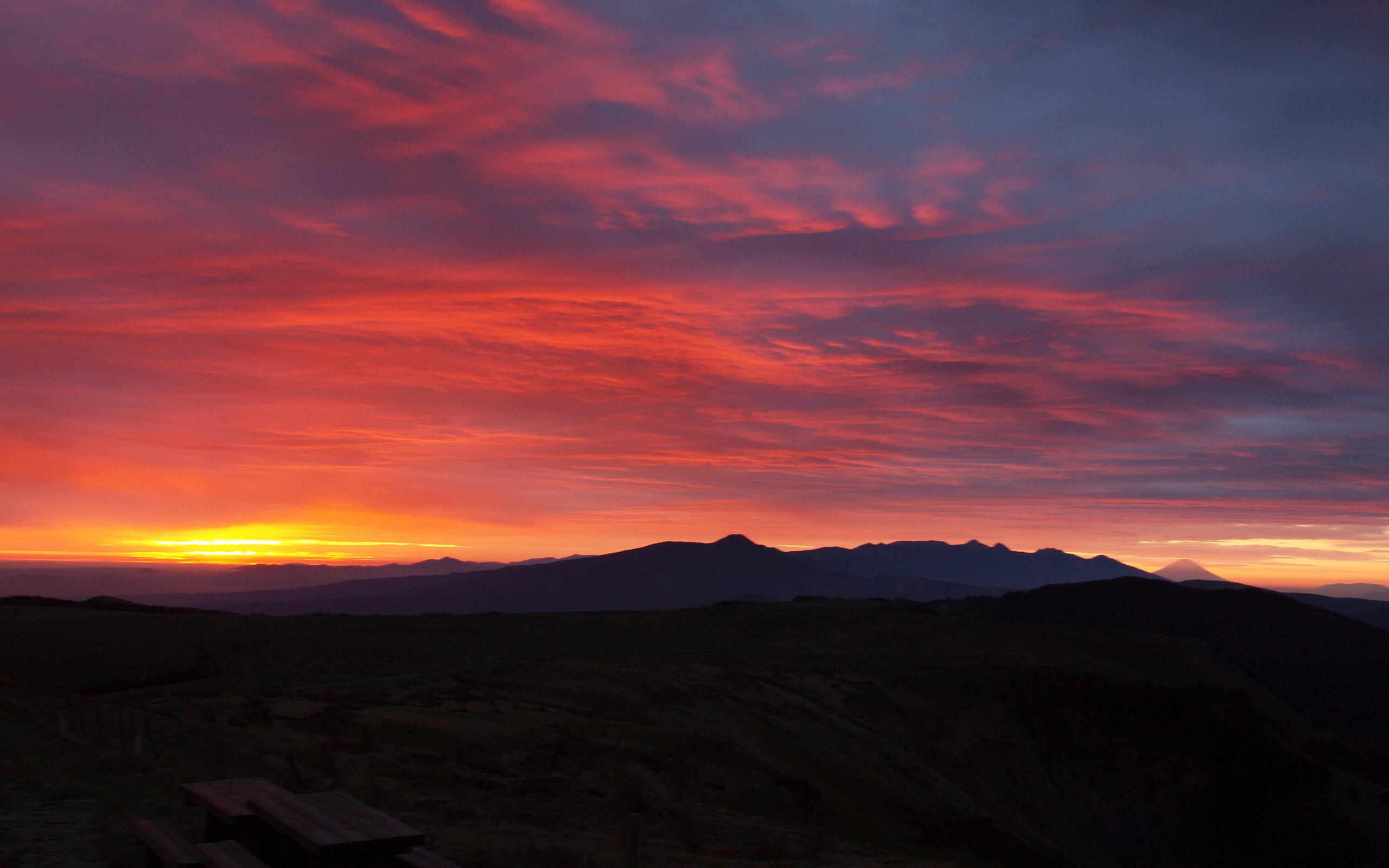 夜明けの無料壁紙 日の出の風景写真 高解像度 高画質
